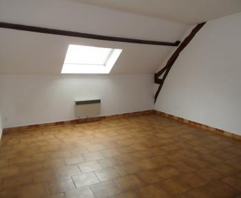Location Studio 1 pièces Contres (41700) - centre bourg