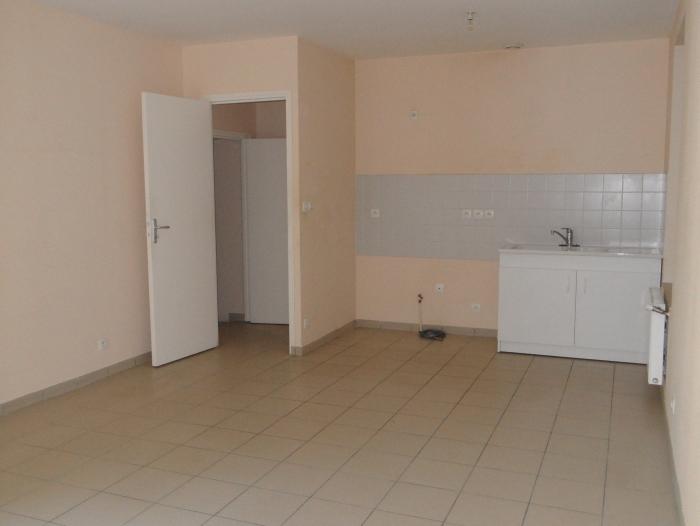 Location Maison 2 pièces Contres (41700) - CENTRE VILLE