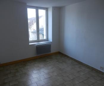 Location Appartement 3 pièces Contres (41700) - centre ville