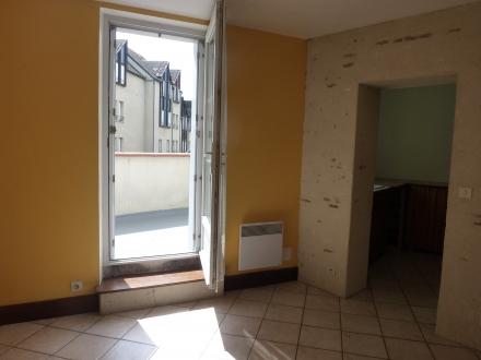 Location Appartement avec terrasse 5 pièces romorantin-Lanthenay ()