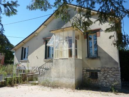 Location Maison 5 pièces DHUIZON ()