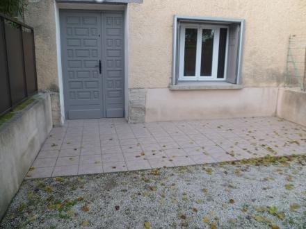 Location Maison 3 pièces L'Isle-sur-la-Sorgue (84800) - avec terrasse et garage