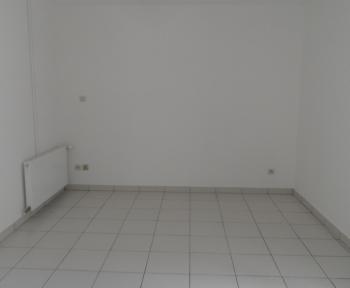 Location Maison 2 pièces Contres (41700) - proche centre-bourg