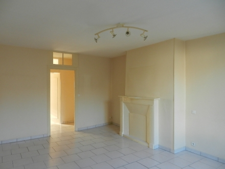 Location studio Cour-Cheverny (41700)