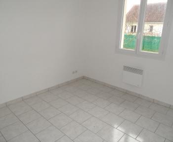Location Maison avec jardin 4 pièces Saint-Romain-sur-Cher (41140)