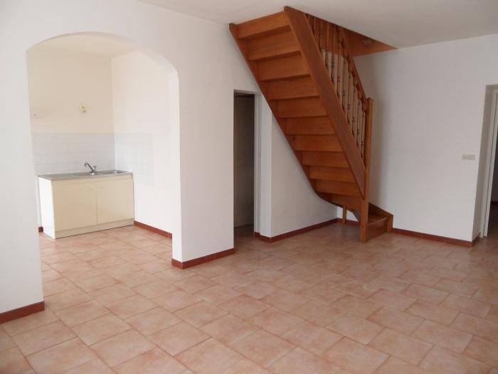 Location Maison 3 pièces Contres (41700) - Coeur de village