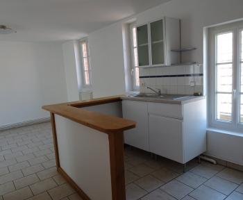 Location Appartement 3 pièces Romorantin-Lanthenay (41200) - centre ville