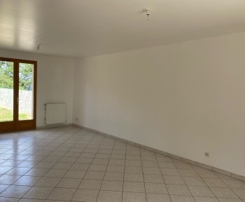 Location Maison 4 pièces Saint-Romain-sur-Cher (41140) - CALME